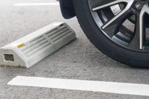 駐車場で簡単DIY!車止めブロック活用術